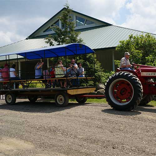 Farm fresh milk and educational, hands-on dairy tours at Hasting's Dairy in Burton, Ohio.